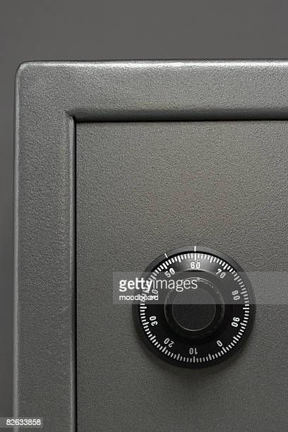 Safe with dial