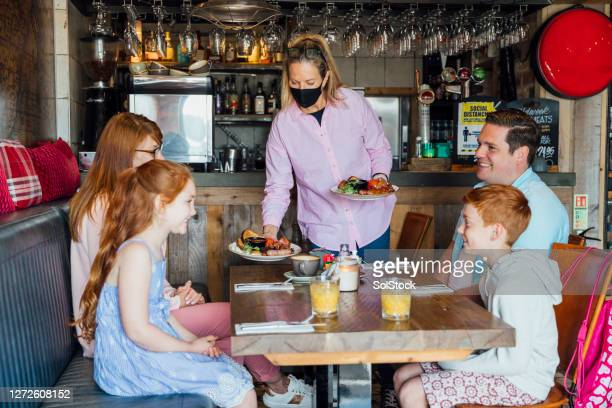 safely dining - restaurant stock pictures, royalty-free photos & images