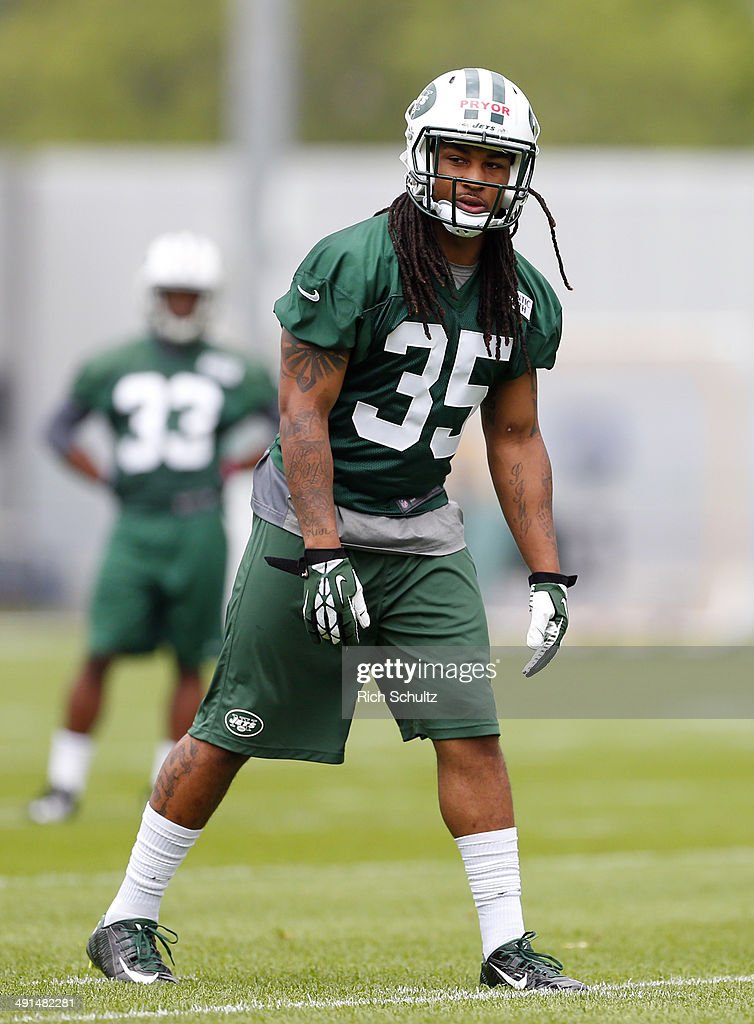 Safety Calvin Pryor #35 of the New York Jets lines up for a play during the first day of rookie minicamp on May 16, 2014 in Florham Park, New Jersey.
