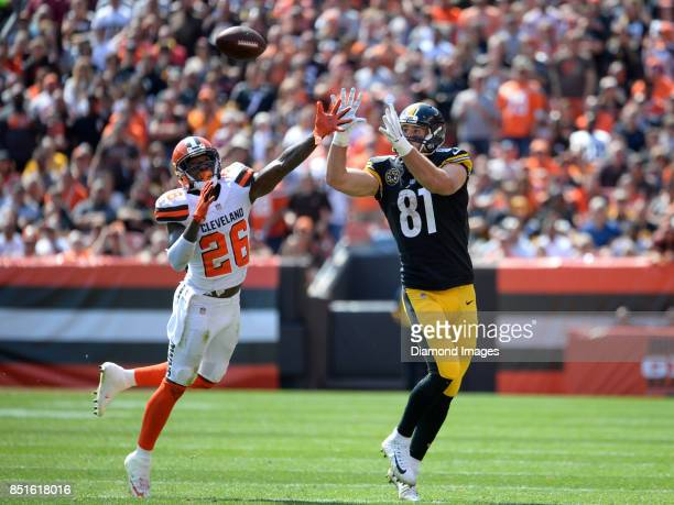 Safety Derrick Kindred of the Cleveland Browns defends a pass intended for tight end Jesse James of the Pittsburgh Steelers in the second quarter of...