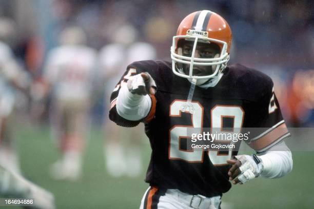 Safety Eric Turner of the Cleveland Browns gestures from the field during a game against the San Francisco 49ers at Municipal Stadium on November 11...