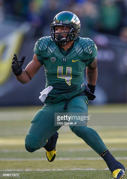 Safety Erick Dargan of the Oregon Ducks defends against wide receiver Tyler McCulloch of the Colorado Buffaloes at Autzen Stadium on November 22 2014...
