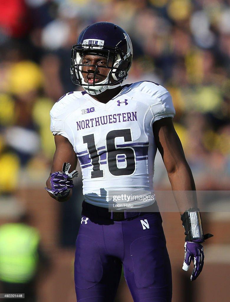 Northwestern v Michigan : News Photo