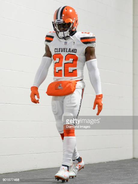 Safety Jabrill Peppers of the Cleveland Browns walks down the tunnel toward the field prior to a game on December 31 2017 against the Pittsburgh...