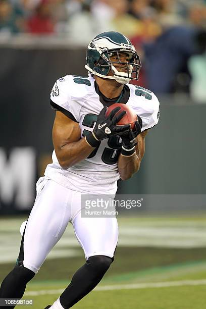 Safety Quintin Demps of the Philadelphia Eagles catches a kick-off during a pre-season game against the Jacksonville Jaguars on August 13, 2010 at...