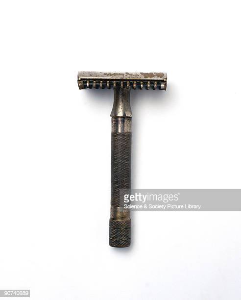 Safety razor made by Gillette patented 31 December 1931 The American inventor King Camp Gillette developed the disposable blade safety razor during...