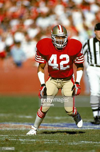 Safety Ronnie Lott of the San Francisco 49ers defends in an undated photo during a game at Candlestick Park in San Francisco California Lott played...