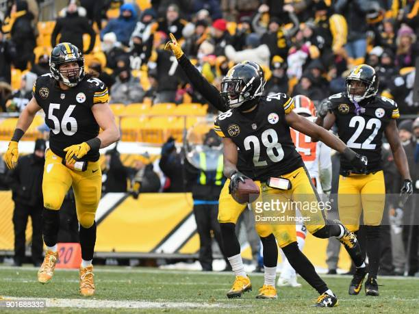 Safety Sean Davis of the Pittsburgh Steelers celebrates intercepting a pass in the fourth quarter of a game on December 31 2017 against the Cleveland...