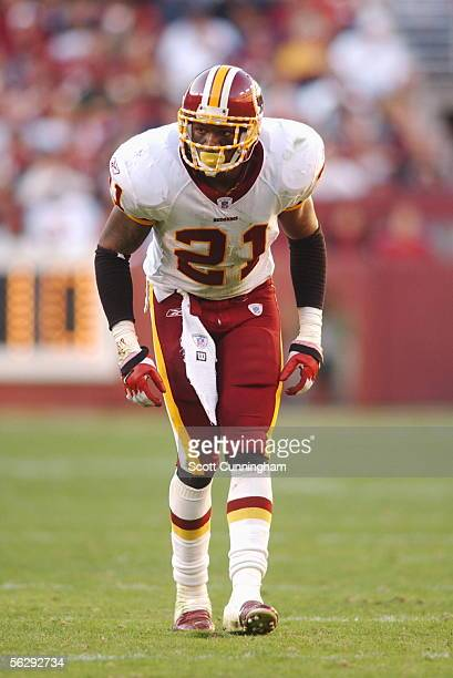 Safety Sean Taylor of the Washington Redskins defends against the Oakland Raiders on November 20 2005 at FedExField in Landover Maryland The Raiders...
