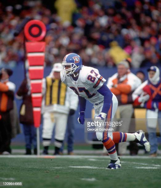 Safety Steve Atwater of the Denver Broncos pursues the play against the Cleveland Browns during a game at Cleveland Municipal Stadium on November 7...