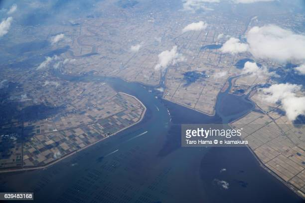 saga city and ariake sea view from airplane - 佐賀県 ストックフォトと画像