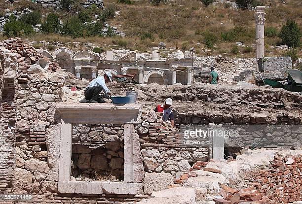 Sagalassos ist eine antike Stadt in der kleinasiatischen Landschaft Pisidien unweit des heutigen Ortes A lasun in der türkischen Provinz Burdur am...