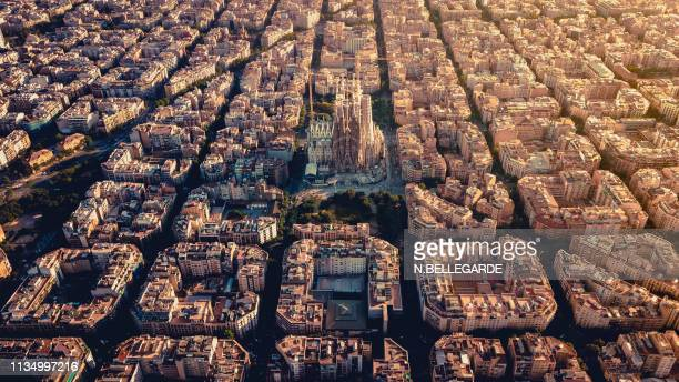 sagrada, barcelone - basilica stock pictures, royalty-free photos & images