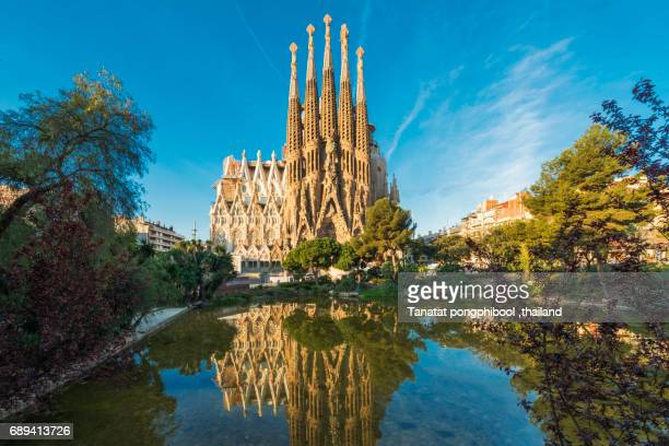 sagrada familia at spain, barcelona. - barcelona spanien stock-fotos und bilder