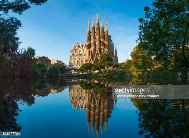 sagrada familia at spain, barcelona. - sagrada familia stock pictures, royalty-free photos & images