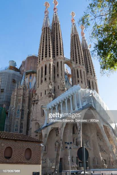 sagrada familia in barcelona, spain - familia stock pictures, royalty-free photos & images
