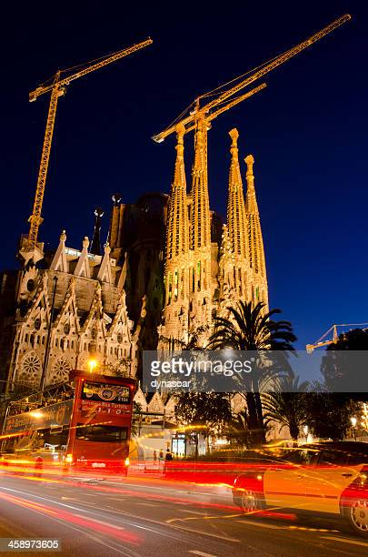 sagrada famlia cathedral barcelona at night - catalonia stock pictures, royalty-free photos & images