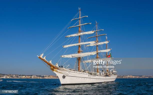 Sagres sails in Cascais Bay on January 05 2020 in Lisbon Portugal Portuguese Navy School Tall Ship NRP Sagres has started its round the world trip to...