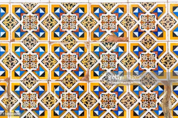 sagua la grande, cuba, colonial tiles pattern - cuba stock pictures, royalty-free photos & images