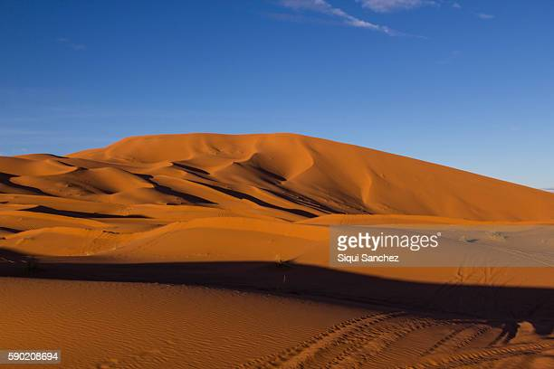 sahara desert. morocco. - merzouga stock pictures, royalty-free photos & images