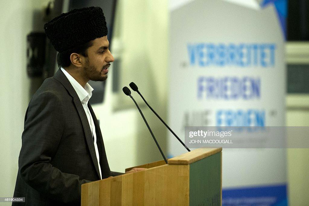 GERMANY-ISLAM-AHMADIYYA-FRANCE-ATTACKS-CHARLIE-HEBDO : News Photo