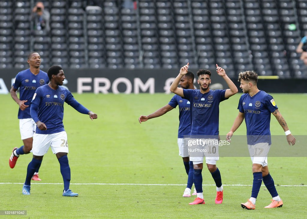 Fulham v Brentford - Sky Bet Championship : News Photo