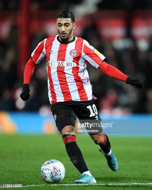 Said Benrahma of Brentford runs with the ball during the Sky Bet Championship match between Brentford and Cardiff City at Griffin Park on December 11...