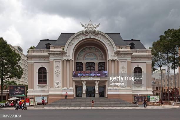 saigon opera house - gwengoat imagens e fotografias de stock