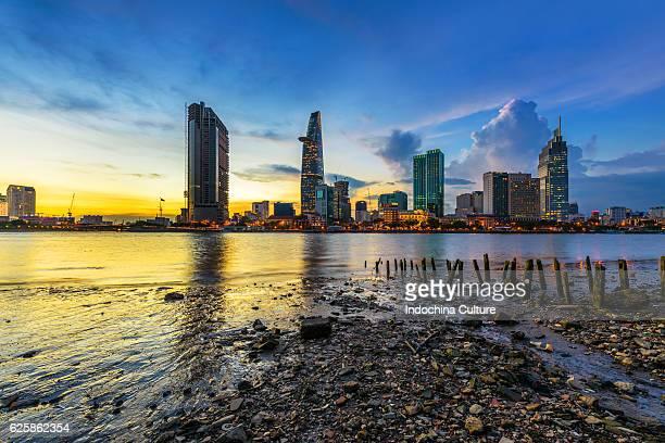 saigon skyline view from thu thiem, saigon river - thiem stock pictures, royalty-free photos & images