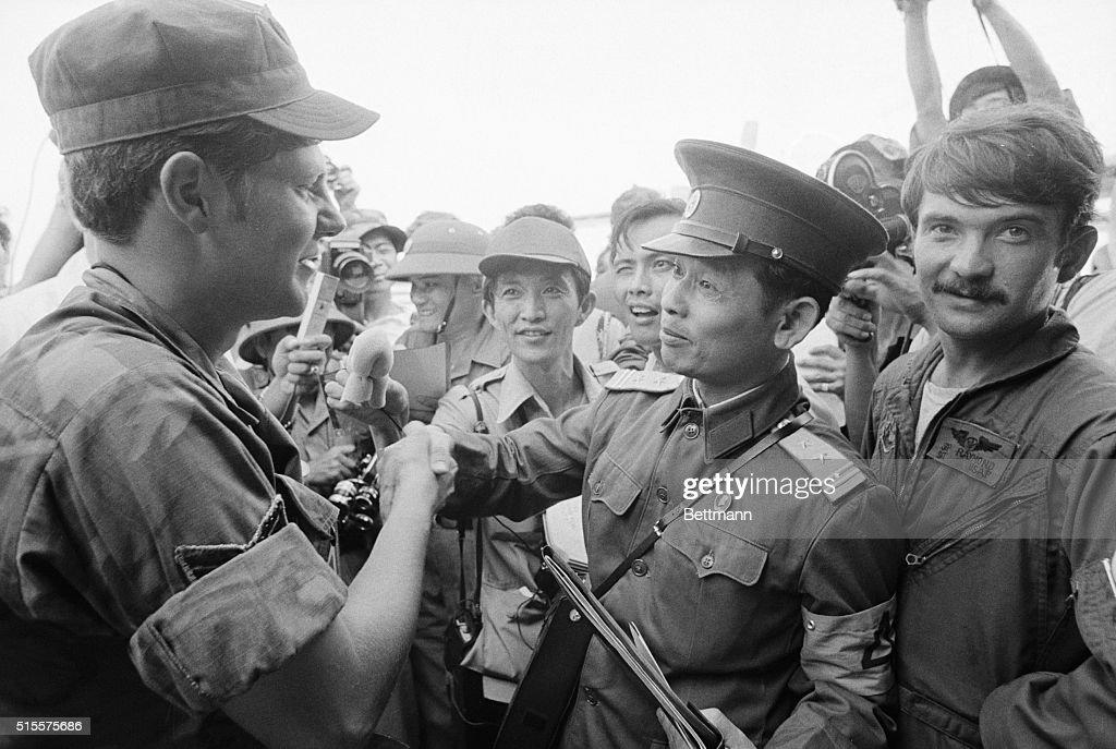 Vietnamese Lt. Shakes Hands W/ Us Sgt. : News Photo