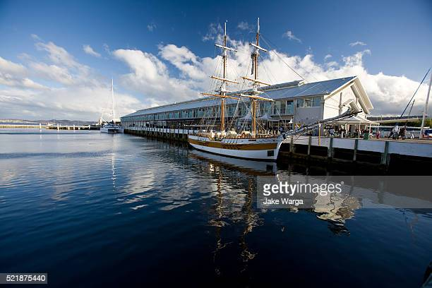 sailboat in harbor, hobart, tasmania, australia - jake warga fotografías e imágenes de stock