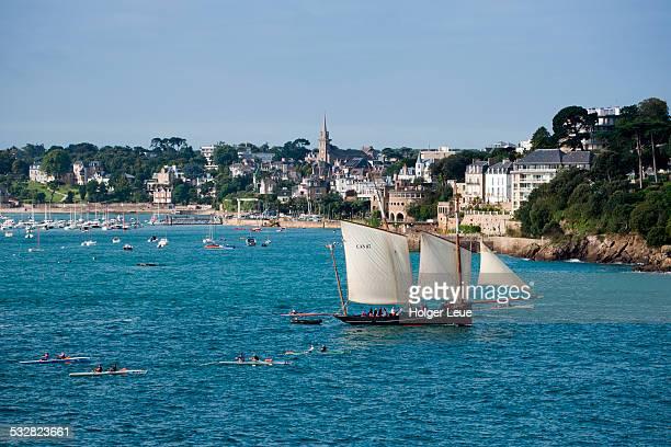 Sailboat La Cancalaise in Saint-Malo Bay