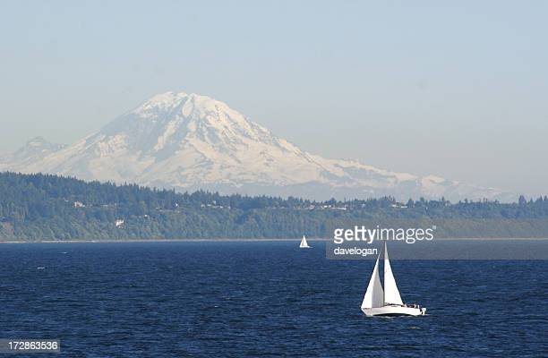sailboat on puget sound - puget sound stock pictures, royalty-free photos & images