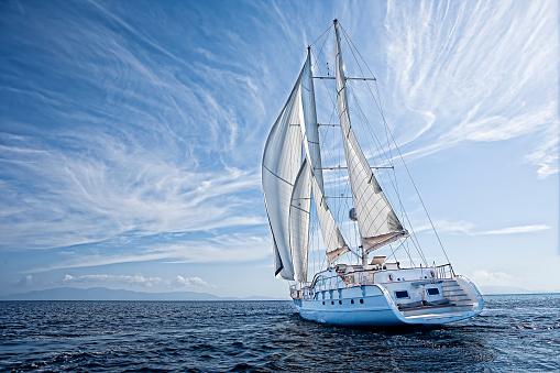 sailboat 614011828