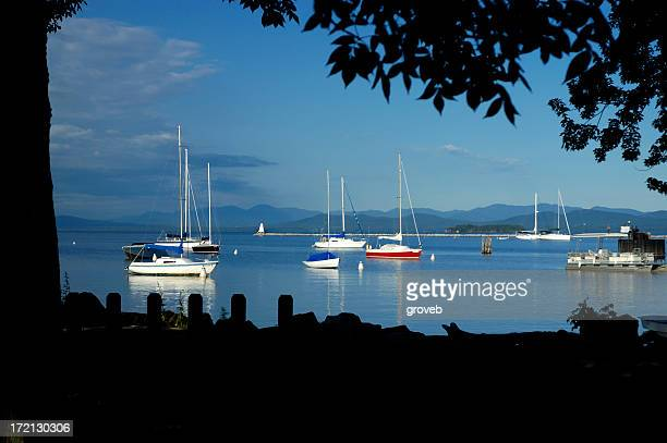 sailboats on lake champlain - state park stock pictures, royalty-free photos & images