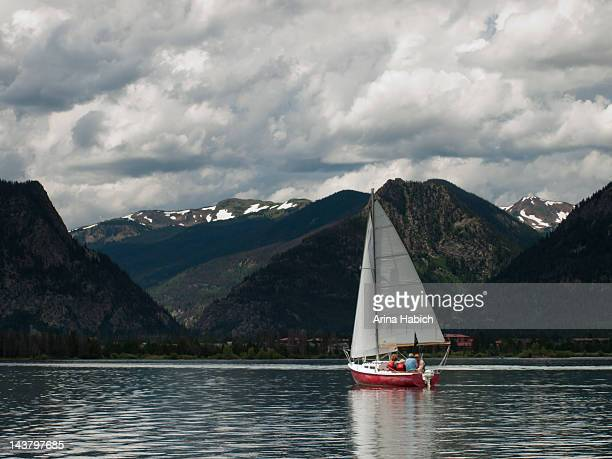 sailboats on mountain lake - silverthorne stock photos and pictures