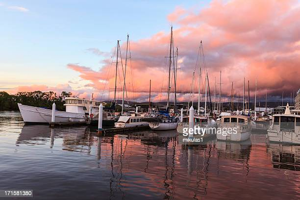 sailing at dusk - hobart tasmania stock pictures, royalty-free photos & images
