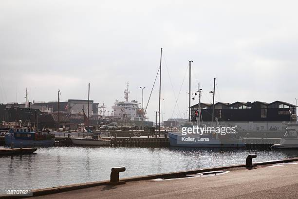 sailing boats in harbor - quayside stock pictures, royalty-free photos & images