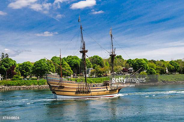 sailing history - the mayflower stock photos and pictures
