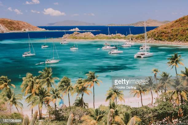 sailing holidays in british virgin islands, caribbean - islas de virgin gorda fotografías e imágenes de stock