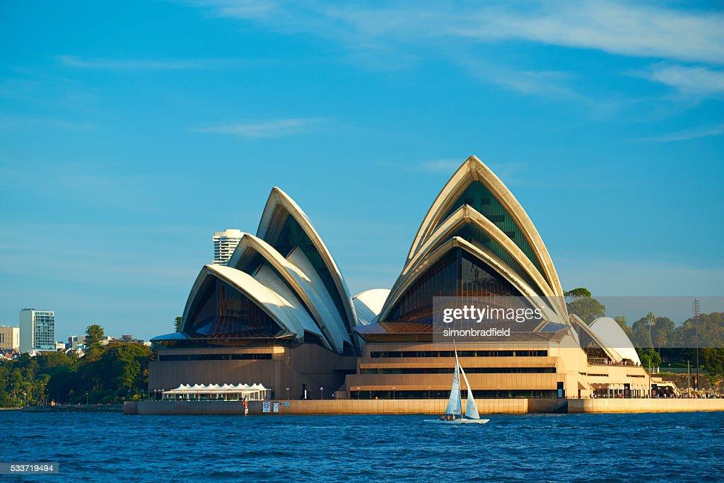 Barca a vela nel porto di Sidney : Foto stock