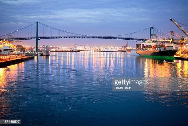 sailing out of los angeles - port of los angeles stock pictures, royalty-free photos & images