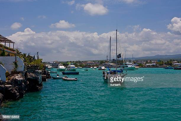 sailing - puerto ayora stock pictures, royalty-free photos & images
