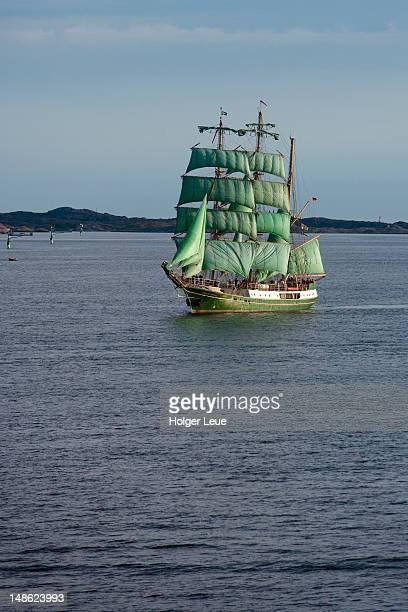 sailing ship alexander von humboldt, near goteborg. - västra götaland county stock pictures, royalty-free photos & images