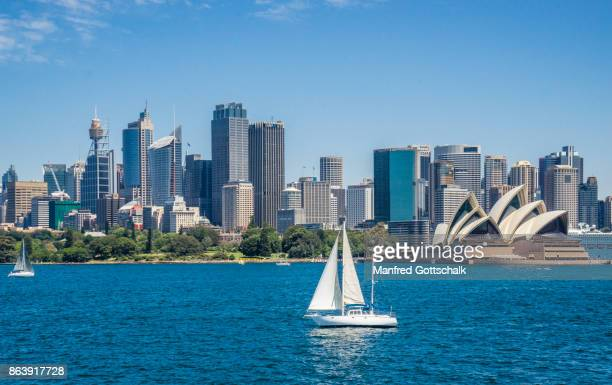 sailing sydney harbour - sydney stock pictures, royalty-free photos & images