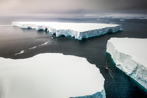 Sailing through enormously huge icebergs near Melchior islands - gettyimageskorea