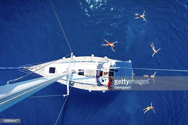 segeln-urlaub - mittelmeer stock-fotos und bilder