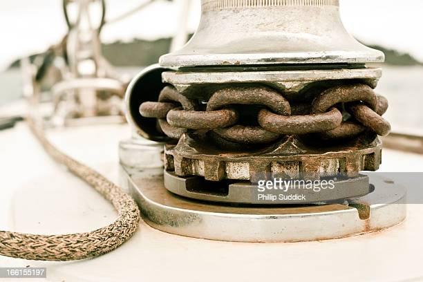 Sailing yacht anchor winch