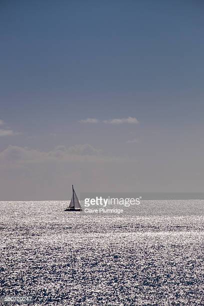 sailing yacht - claire plumridge stock pictures, royalty-free photos & images