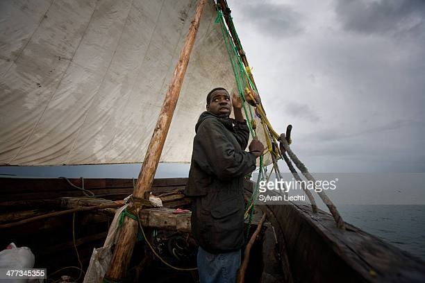 CONTENT] A sailor aboard a dhow between Bagamoyo and Stonetown the 6th janvier 2010